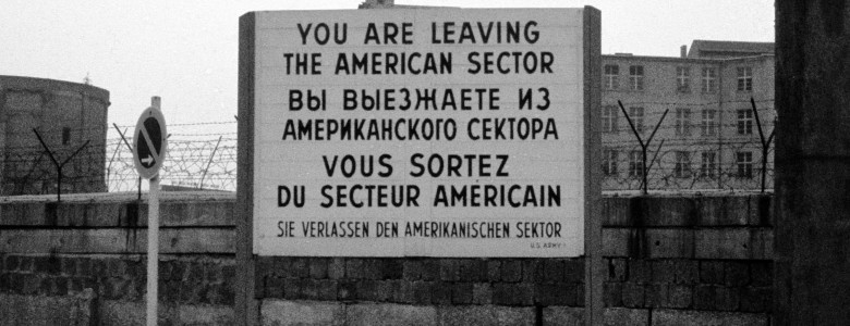 Checkpoint_Charlie_Sign_in_1965_(7)
