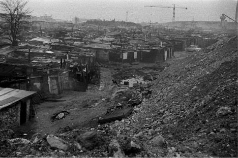 The shantytown at Nanterre on the outskirts of Paris [Monique Hervo/Mediapart]